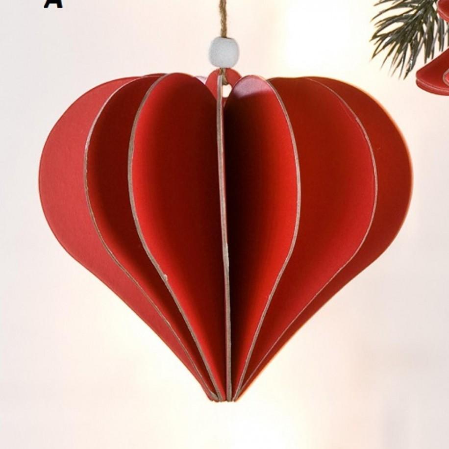 Baumdeko rot aus Pappe als Herzform